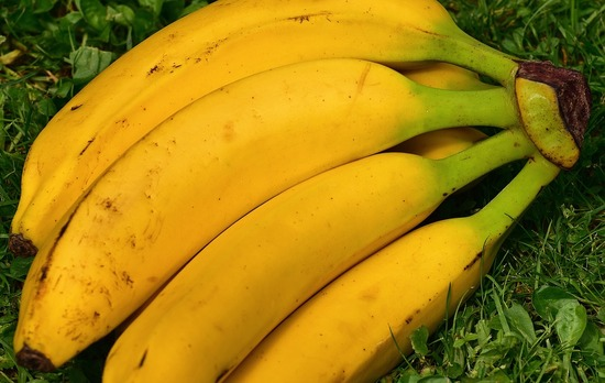 bananas-1646530_960_720